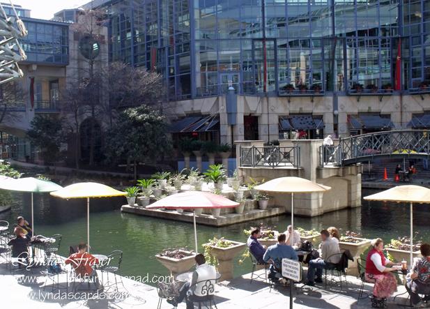 Riverwalk_mall